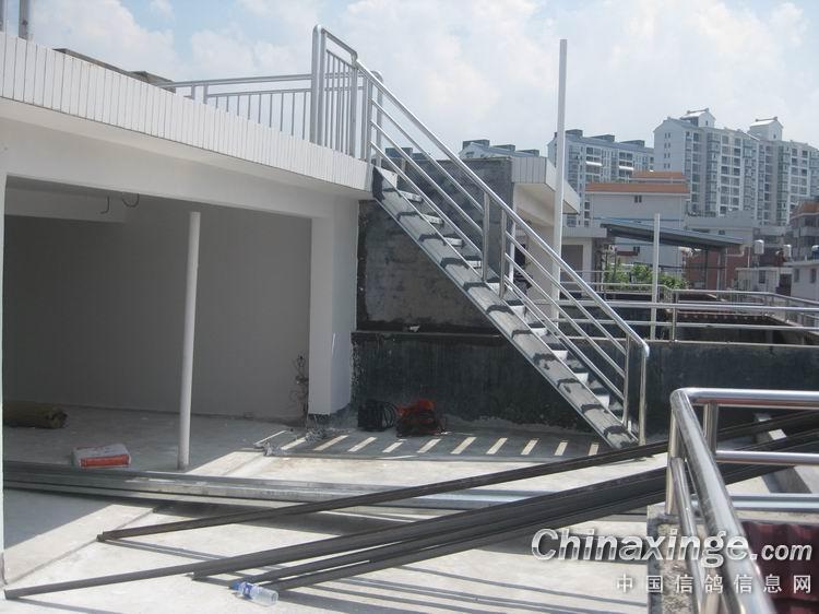 别墅起脊屋顶设计图